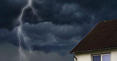 Was zahlt die Versicherung bei Sturmschäden?
